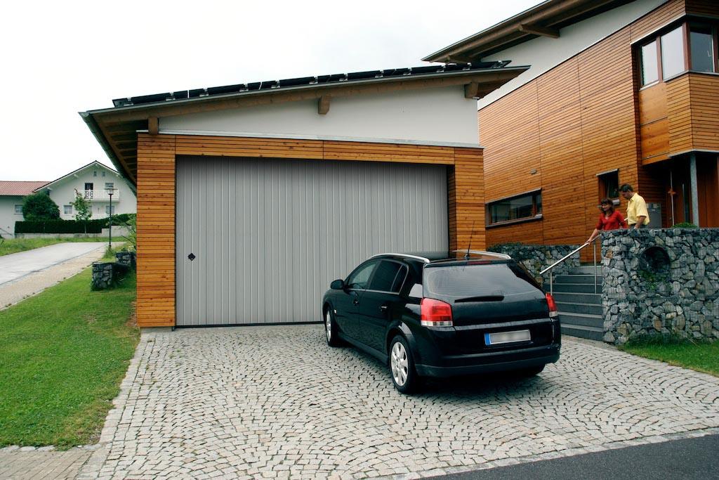 Portoni residenziali breda per garage e appartamenti simi for Breda portoni